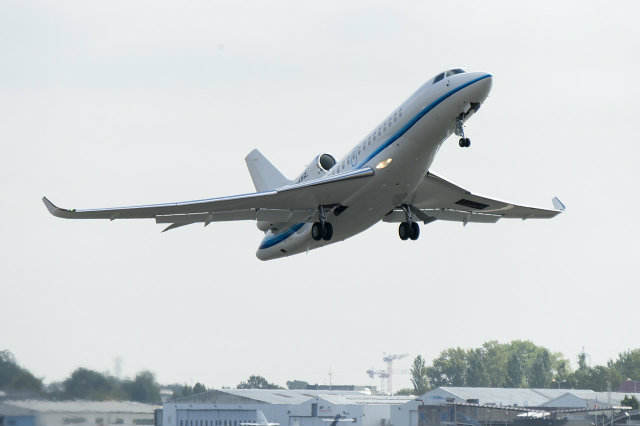 Dassault Falcon Delivers First 8X.jpg