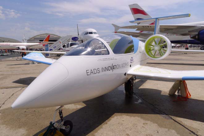 Nice EADS E Fan Electric Jet   Light Sport Aircraft