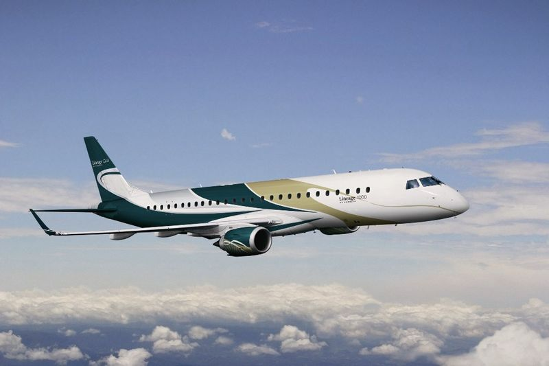 embraer-lineage-1000.jpg